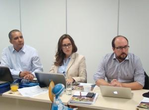 Na direita, o professor Luiz Augusto Lobão